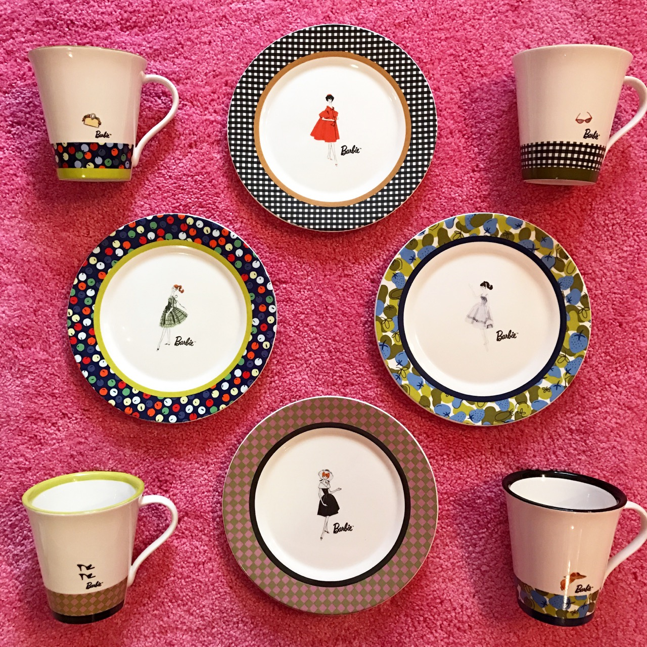 How stylish they are!? I can\u0027t tell which one is my favorite! I really wish if they make more decent Barbie tableware for adults like these.  sc 1 st  Azusa Barbie & Azusa Barbie » Barbie Plate Set♡